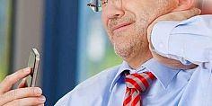 الآثار السلبية من الميل إلى الأمام أثناء إستخدام الهاتف المحمول