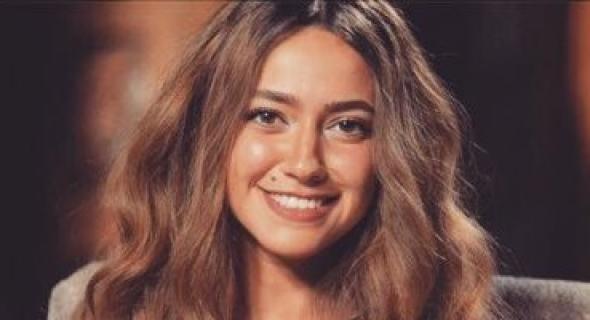 """فاطمة مصطفى تستضيف هند عبد الحليم في برنامج """"الراديو بيضحك"""" الثلاثاء المقبل"""