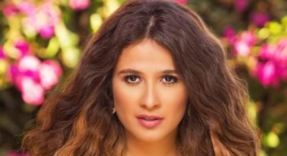 """ياسمين عبد العزيز تبدأ في تصوير مشاهد الأكشن بمسلسل """"الملكة"""""""