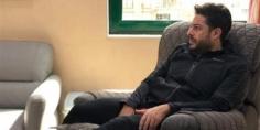 محمد حماقي يخرج من العملية الجراحية بشريحة و6 مسامير ومنة فضالي تتمنى له الشفاء العاجل