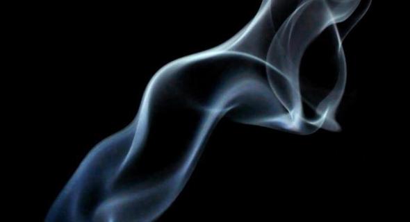دراسة علمية تبرز المخاطر السرطانية على مدخني السجائر الإلكترونية