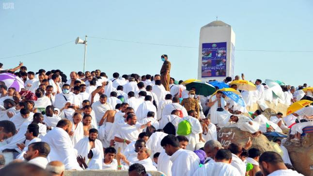 السعودية قصر الحج على المقيمين والمواطنين فقط