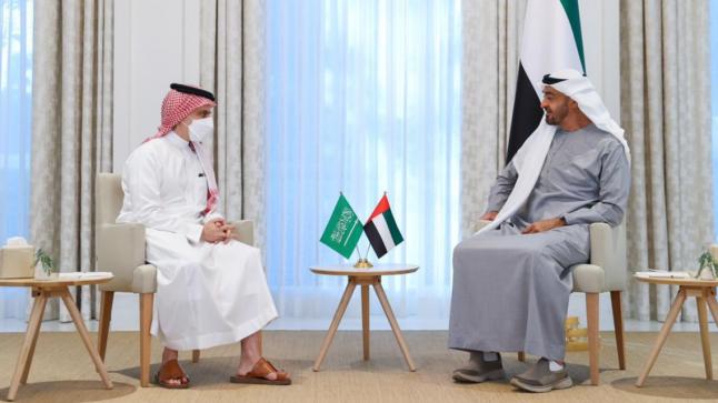 ولي العهد الإماراتي يتباحث مع وزير الخارجية السعودي بشأن التعاون المشترك بين البلدين